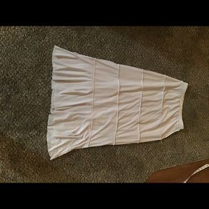 Skirts - White ruffled skirt!